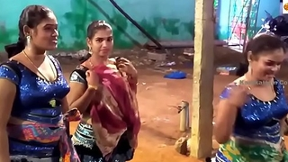 Latest Wonderful Closeup Dance and Funny Speech Midnight Karakattam in Tamil Nadu 2017 4K